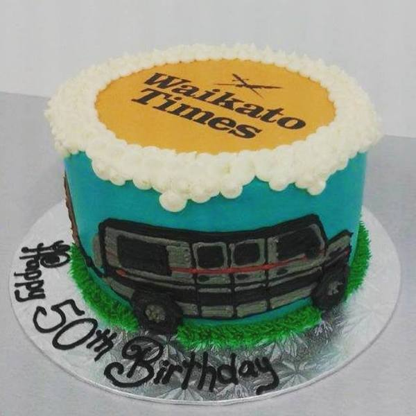 Hand Piped SUV and Caravan with Edible Image