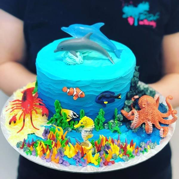 Underwater Ocean Cake (customer supplied toppers)