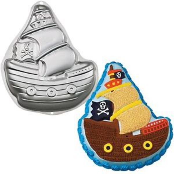 Pirate Ship Tin