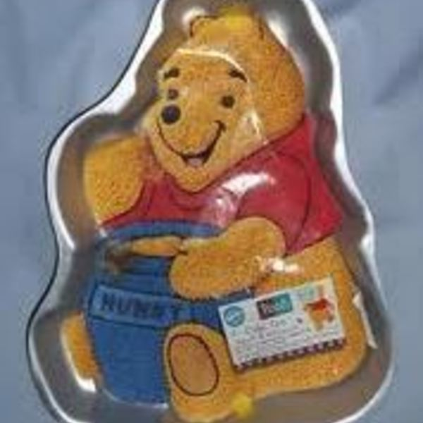 Pooh Bear Full body Tin