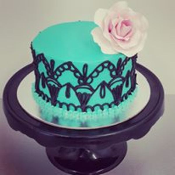 Smooth Blue Hand Piped Stencil Cake