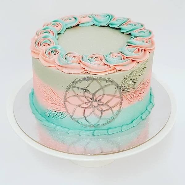 Three Colour Smooth With Dream Catcher Cake