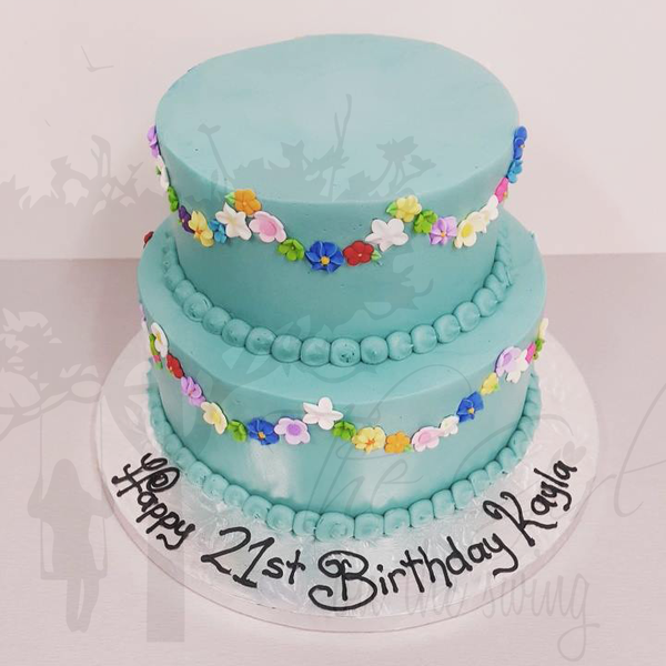 Smooth Blue Two Tier with Flower Bunting
