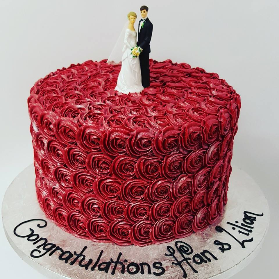 Tall Red Roses Cake