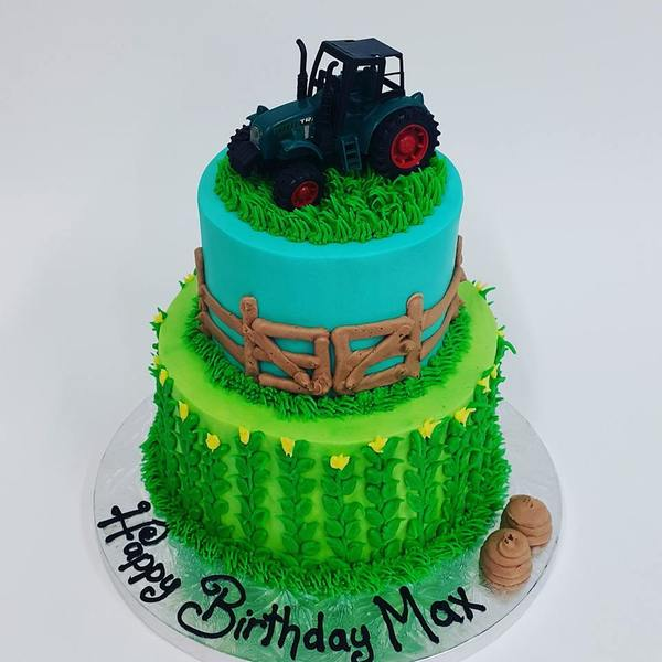 Two Tier Farming - Tractor cake