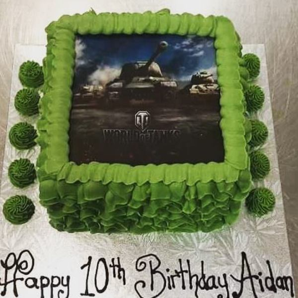 World of Tanks edible image green squiggle cake