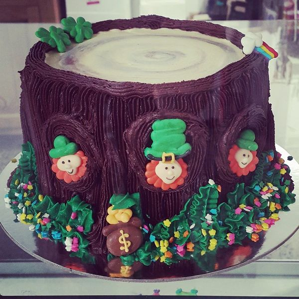 Leprechaun Tree Trunk Cake