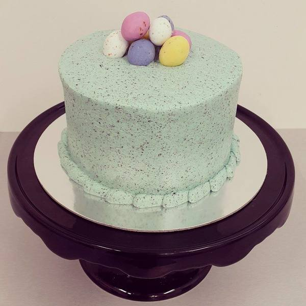 Speckled Smooth Easter Cake