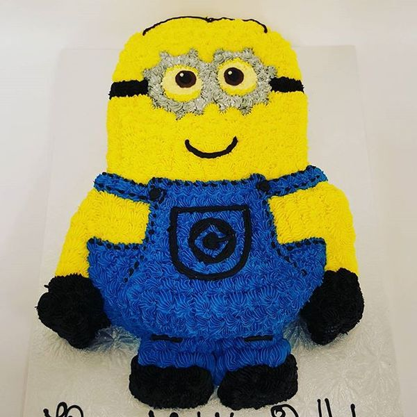 Two Eyed Minion Cake