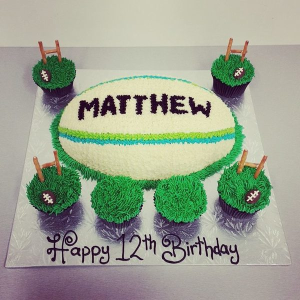Rugby ball Cake with Cupcakes