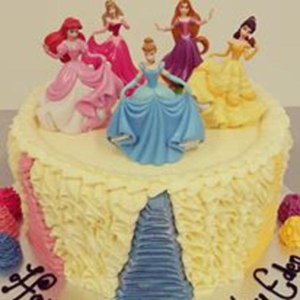 Disney Princess Squiggle cake
