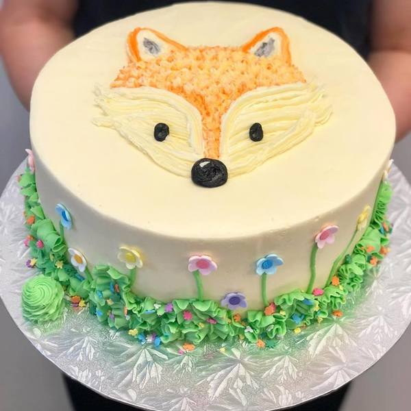 Smooth Cream Fox Garden Cake