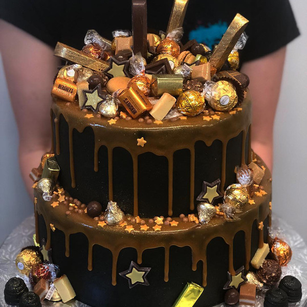 Two Tier Black and Gold Star Overload