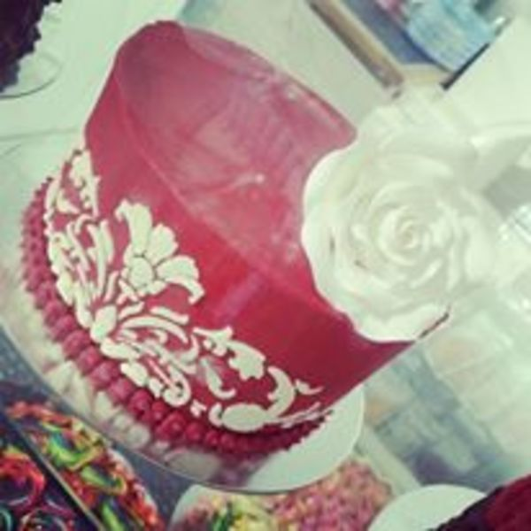 Smooth Red Stencil Cake