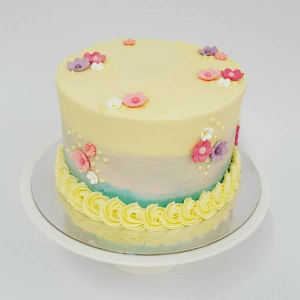 Smooth Three Colour with Flowers Cake