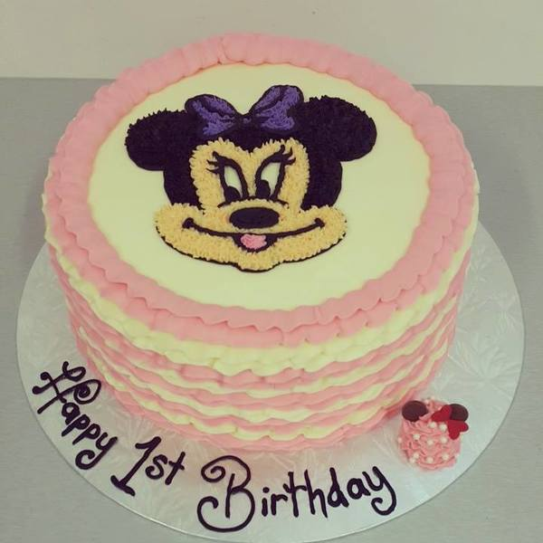 Minnie Mouse Face on Frill Cake
