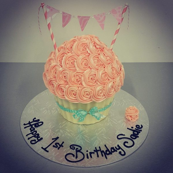 Light Pink Roses with Bunting and White Chocolate Case