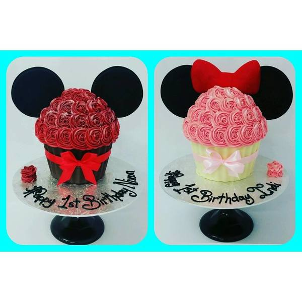 Micky and Minnie Mouse Giant Cupcakes