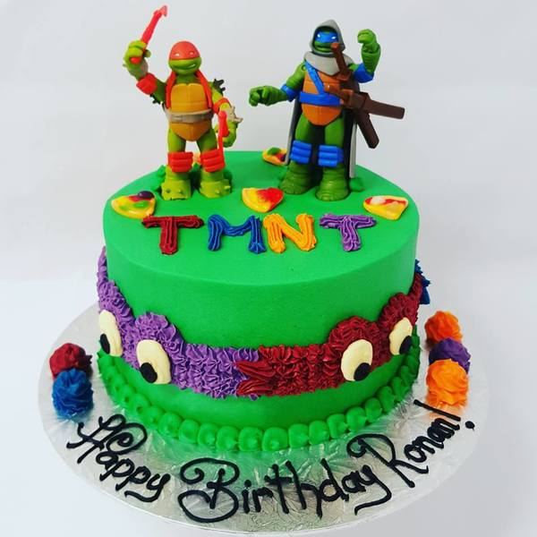 TMNT Smooth Green cake with Figurines